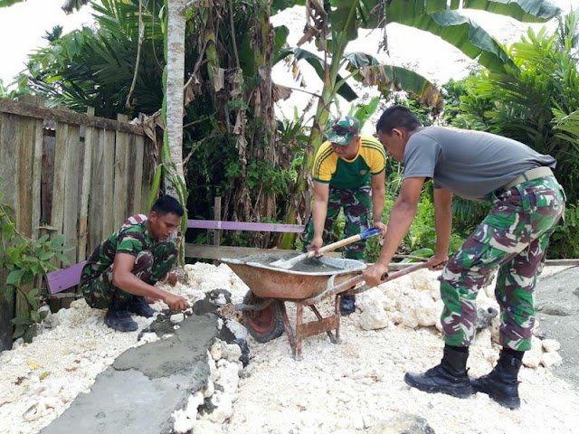 Dukung Perekonomian Warga, Satgas Pamtas Bangun Kandang Ternak di Kampung Sanggaria