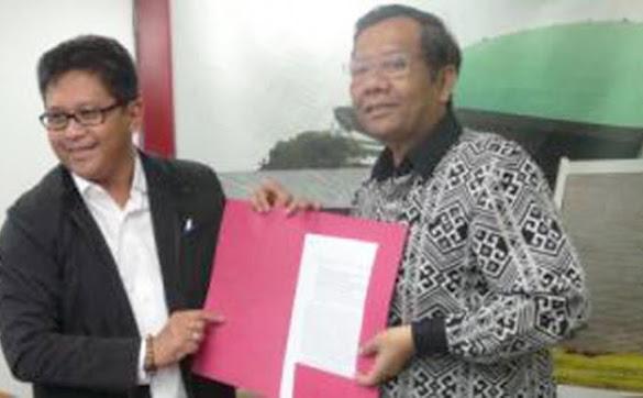 PDIP Jawab Tuduhan Mahfud Soal Ma'ruf Amin Suruh NU Ancam Jokowi