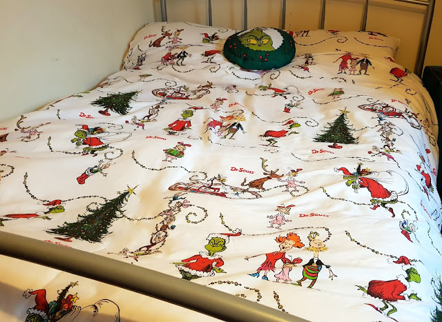 The Grinch Dr Seuss Duvet Cover set on double bed