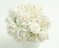 http://bialekruczki.pl/pl/p/-Roze-Trellis%2C-biale%2C-35mm%2C-kwiaty-papierowe-WOC%2C-5szt/4080