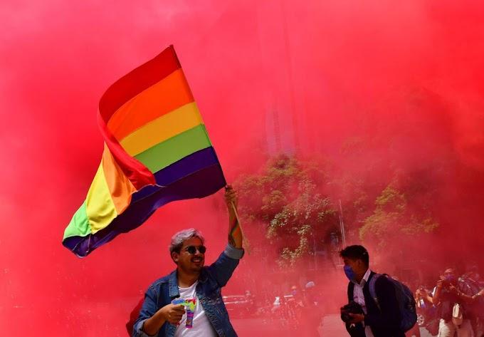 """Cidade do México criminaliza terapias de """"cura gay"""""""