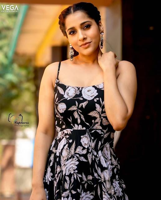 Rashmi Gautam Latest Photos in Designer Party Gown Actress Trend