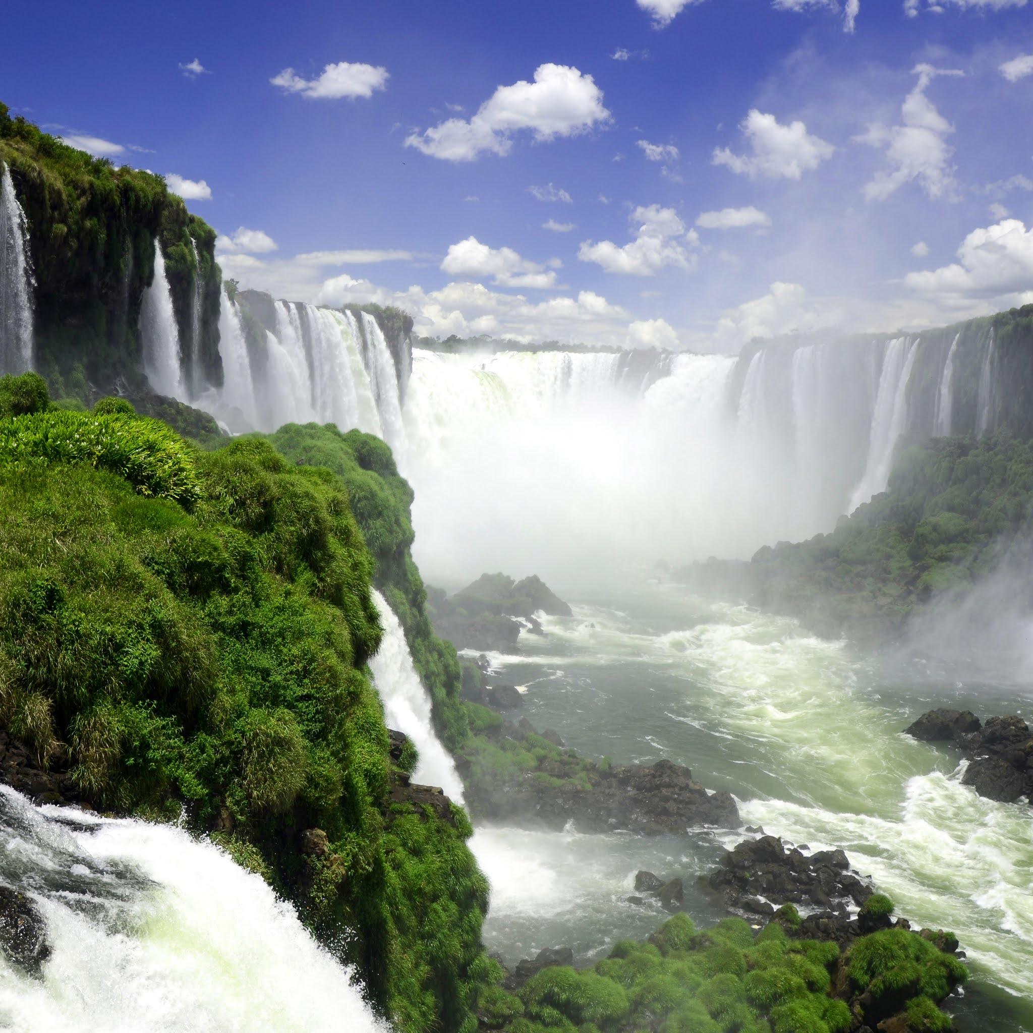 Самый красивый водопад в парке Игуасу в Аргентине
