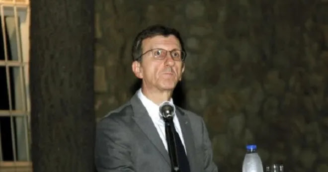 Νέο ρεσιτάλ Α.Πορτοσάλτε: Ή κάνεις εμβόλιο ή υπογράφεις ότι θα πεθάνεις εκτός ΜΕΘ!