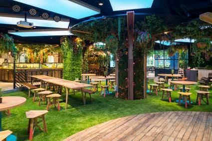 Taman hidup benar-benar ada dalam restoran (picnicsg.com)