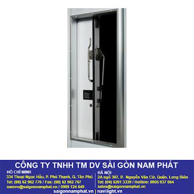 cua-truot-lua-kho-lanh-nam-phat