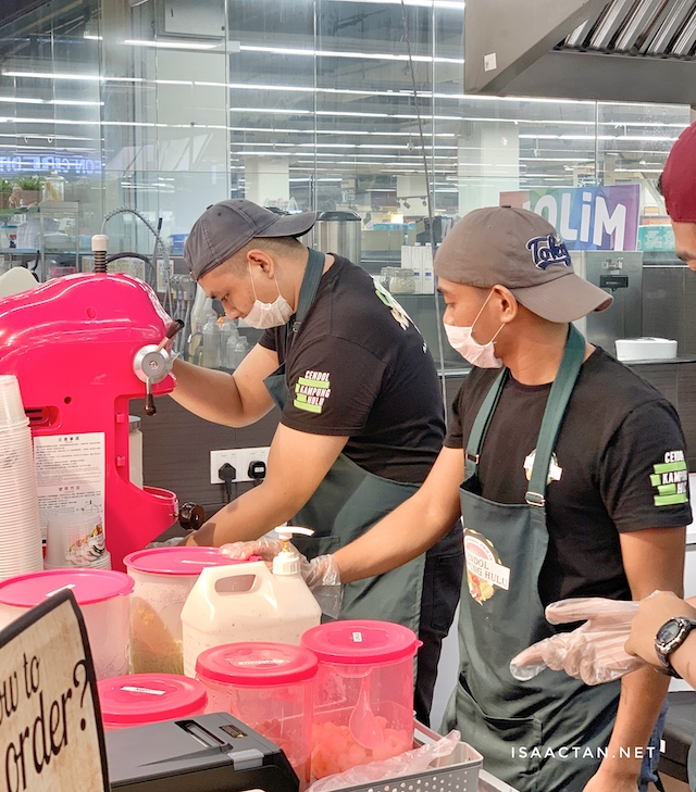 Good stuff, watch your cendol prepared in front of you