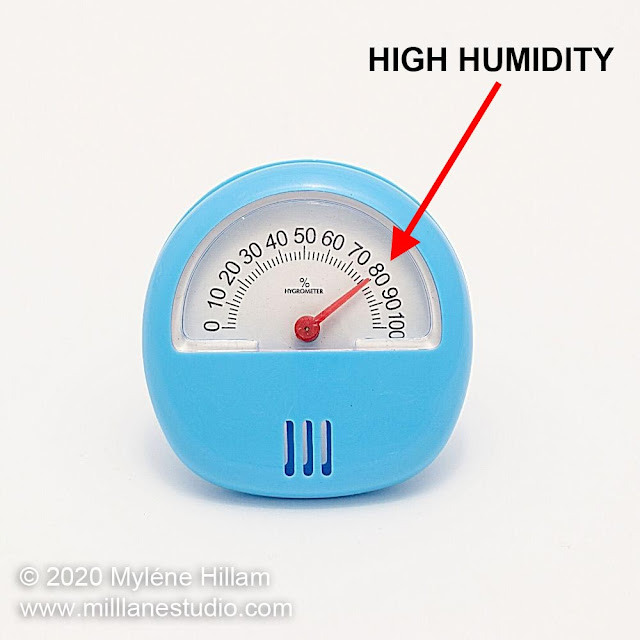 Hygrometer reading at 80% relative humidity