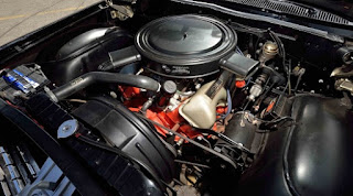 1962 Chevrolet Biscayne Engine 02