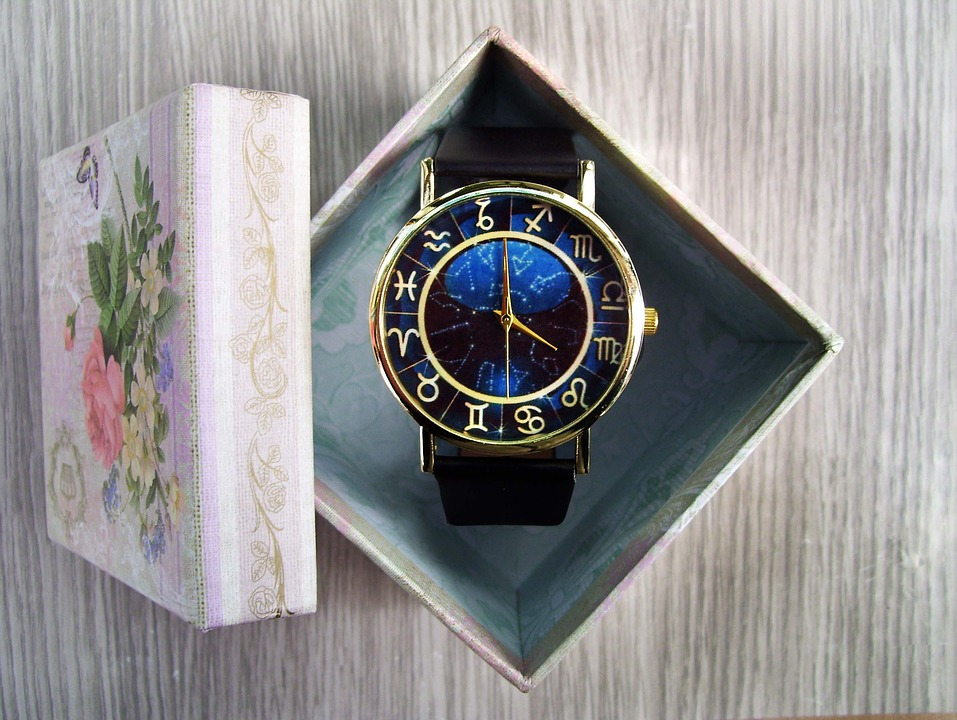 An Excellent Guide to Choose The Best Gift Watch