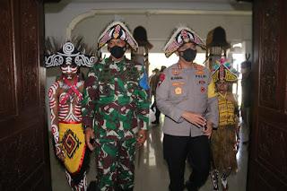 Kapolda NTB dan Danrem 162/WB Hadiri Peringatan Hari Pancasila Oleh Mahasiswa Papua di Lombok