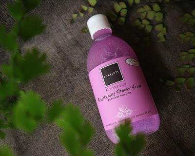 Brightening Shower Scrub Pomegrante