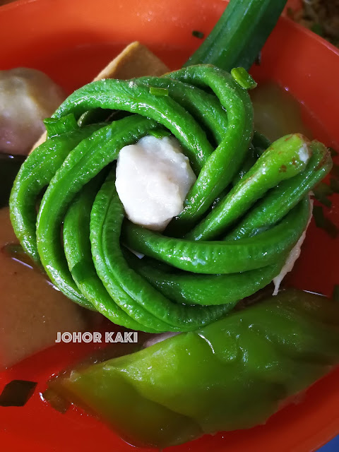 Ipoh People's Favourite Dai Shu Geok Yong Tau Foo (Big Tree Foot) 大树脚 (忠记兵如港口大树头炸料粉)