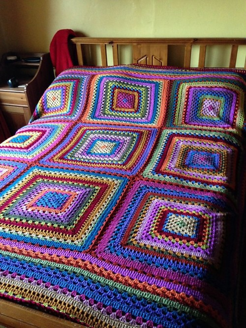 Cosy Giant Granny - Free Pattern