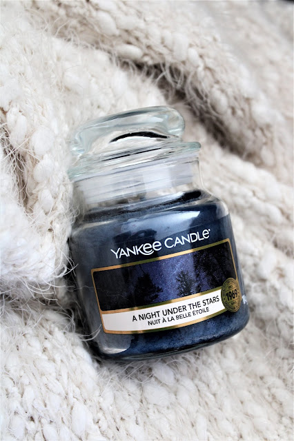 yankee candle a night under the stars, bougie parfumée yankee candle a night under the stars, a night under the stars yankee candle, avis bougie yankee candle nuit à la belle étoile, yankee candle campfire nights, avis bougies yankee candle, bougie candle, yankee candle france, bougie yankee candle pas cher, bougie yankees, bougie parfumee