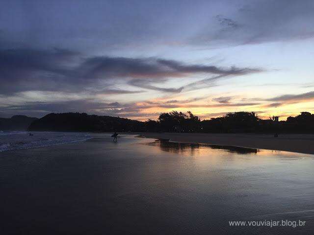 Por do sol na praia de Geribá, em Búzios