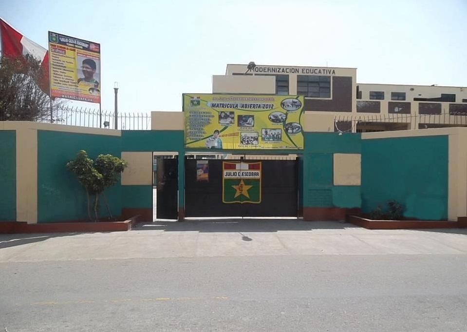 Colegio JULIO CESAR ESCOBAR - San Juan de Miraflores