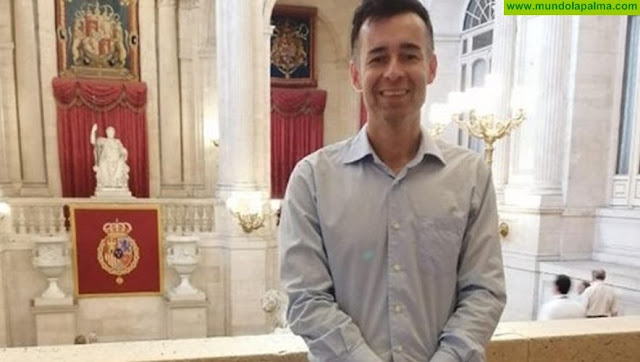 El breñusco Albano Alonso recibe, de manos del Jefe del Estado Español, la Cruz al Mérito Civil