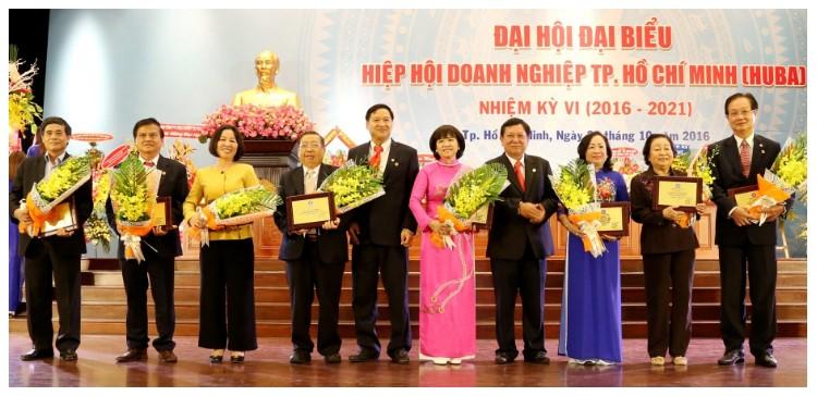 Tỷ lệ DN nữ và DN Nam tham gia các các hiệp hội hoặc câu lạc bộ doanh nghiệp