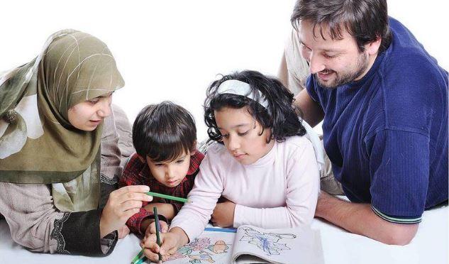Mendidik Anak Bukan Sekadar Menyekolahkan