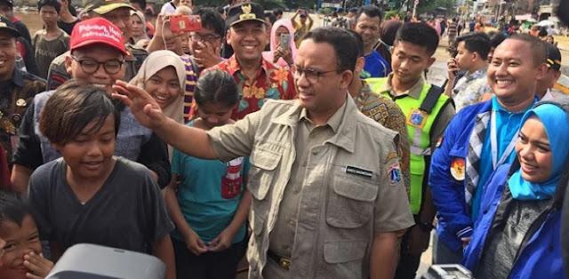 Pengamat: Jangan Cuma Salahkan Anies, Jokowi Juga Bisa Salah