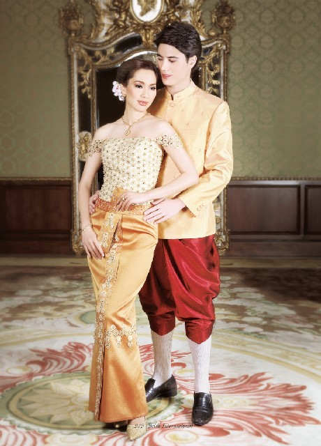 Traditionally The Thai Wedding Dress Was Handwoven Using Cotton As It Is Comfortable And Keeps Body Cooler In Thailand S Hot Climate
