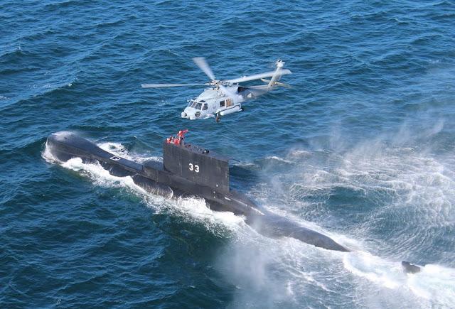 El submarino BAP PISAGUA (SS-33) realiza ejercicio (HOISTEX) con la USNavy