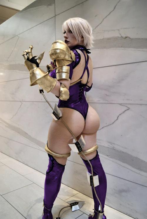 cosplay girls, culo grosso, armatura,