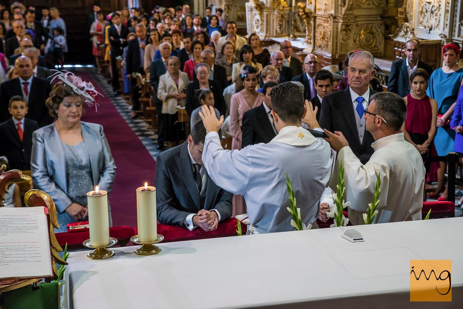 Fotografía de boda en granada, bendiciones
