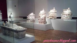 Urnas etruscas em mármore, ótima qualidade!