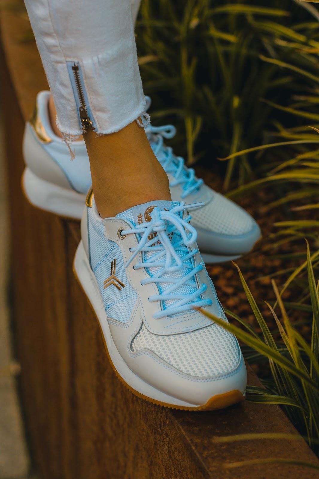zapatillas blancas cómodas