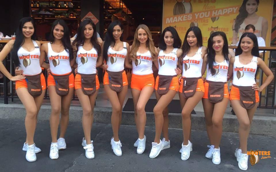 sherry also said that during the ramadan month hooters jakarta will be serving special items like takjil which is a common food served