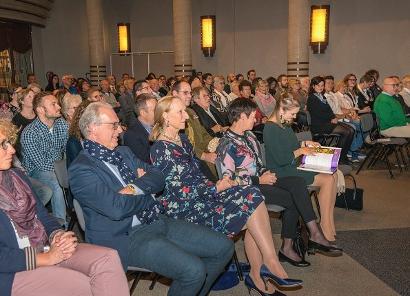 Hereditary Grand Duchess Stéphanie attended a conference that was held by BLËTZ asbl at Bettembourg Castle