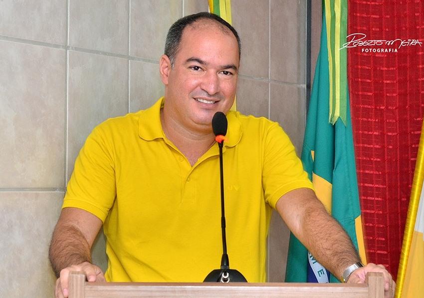 Toni Martins - Todo Mundo lê!: Com direito a concorrer à reeleição ...