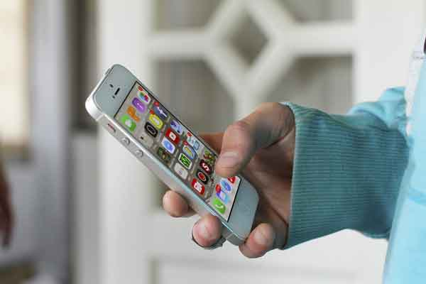 penyebab dan cara mencegah ponsel terbakar atau meledak