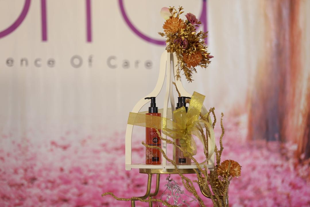 Cik Manggis duta Xorra Body Wash: The Science of Care, mandian berasaskan tumbuhan semulajadi dan bebas bahan kimia.