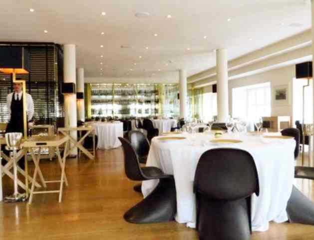 مطعم تروساردي الاسكالا (RISTORANTE TRUSSARDI ALLA)