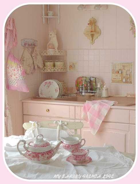 my shabby french life ma cuisine shabby pink. Black Bedroom Furniture Sets. Home Design Ideas