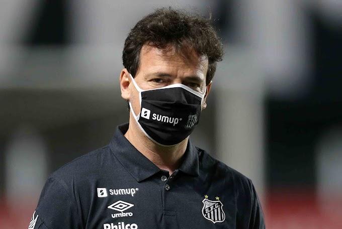 Fernando Diniz estreia com vitória e expulsão no comando do Santos: 1 a 0 no Boca