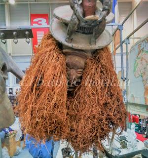 Detalle de arte africano, máscara en el Desembalaje de Irun