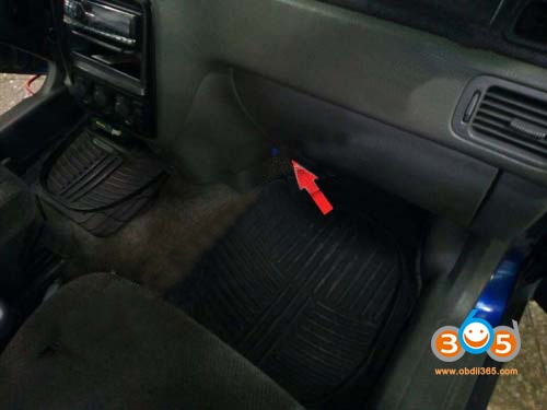 honda-crv-obd2-location-1