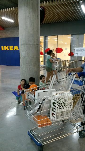 KE IKEA CARI BARANG UNTUK CABUTAN BERTUAH FAMILY DAY SAMBIL BAWA CUCUNDA BERJIMBA SEKALI