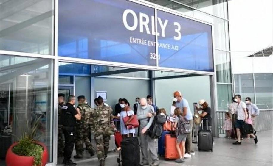 Με ιδιωτικό αεροσκάφος από την Τουρκία ταξίδεψαν παράνομοι μετανάστες στο Παρίσι