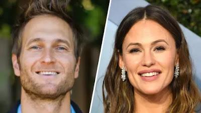 American actress Jennifer Garner and her boyfriend John Miller have broken up