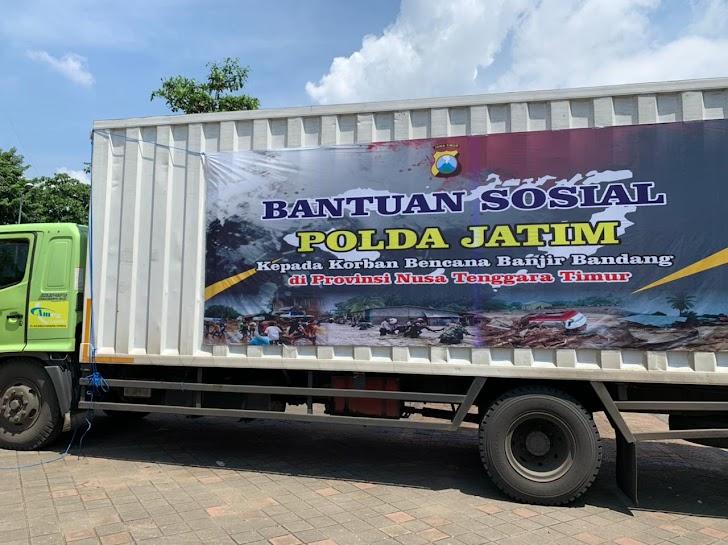Polda Bali, Distribusikan Bantuan Empat Polda Untuk Korban Banjir Bandang NTT