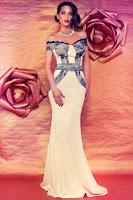 rochie rose, tip sirena, care iti contureaza silueta