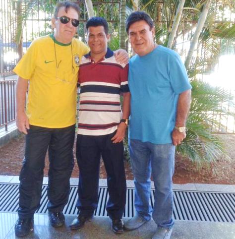 Professor faz homenagem aos 43 anos da Rádio Nacional da Amazônia