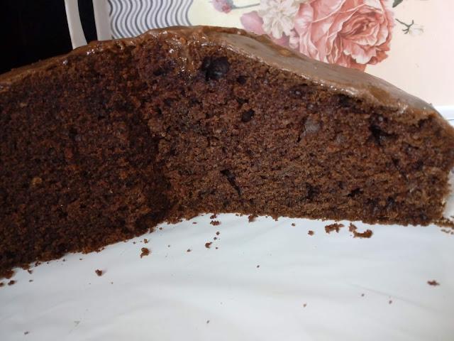 czekoladowe ciasto z cukinii ciasto z cukinia murzynek ciasto czekoladowe na oleju wilgotne ciasto wilgotny murzynek ciasto z czekolada ciasto z polewa