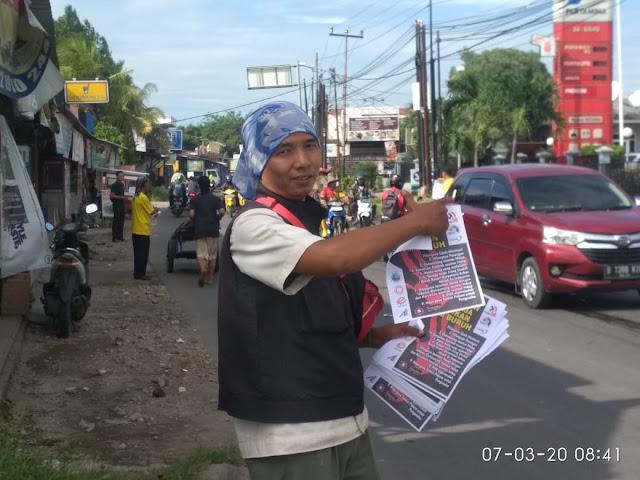 Nurfahroji dan Relawan MNC Sebarkan Leaflet Sosialisasi Bahaya RUU Omnibus Law