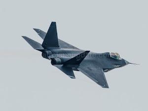 Shenyang J-31 Stealth Fighter Specs, Cockpit, and Price